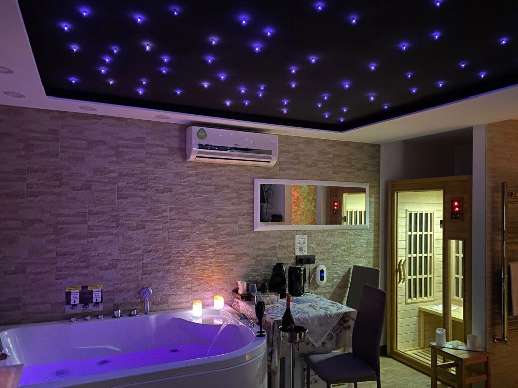 Pompeji Suite mit Spa Luxus Whirlpool und Sauna