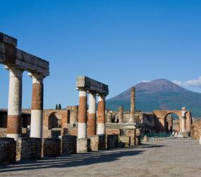 Night excavation tours Pompeii Herculaneum