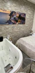 Pompeii Jacuzzi whirlpool room