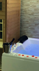 Pompeii suite with Spa Maxi Jacuzzi and Sauna