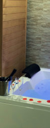 Pompeii suite with Spa Maxi Whirlpool and Sauna