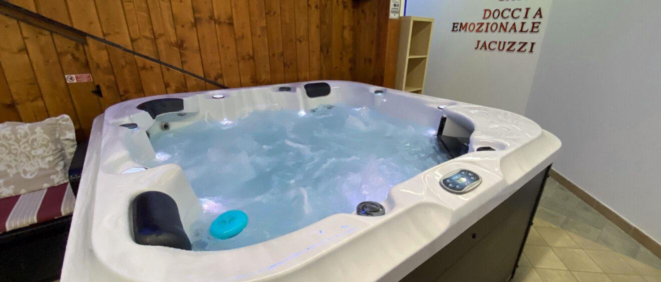 Spa whirlpool tub Pompei