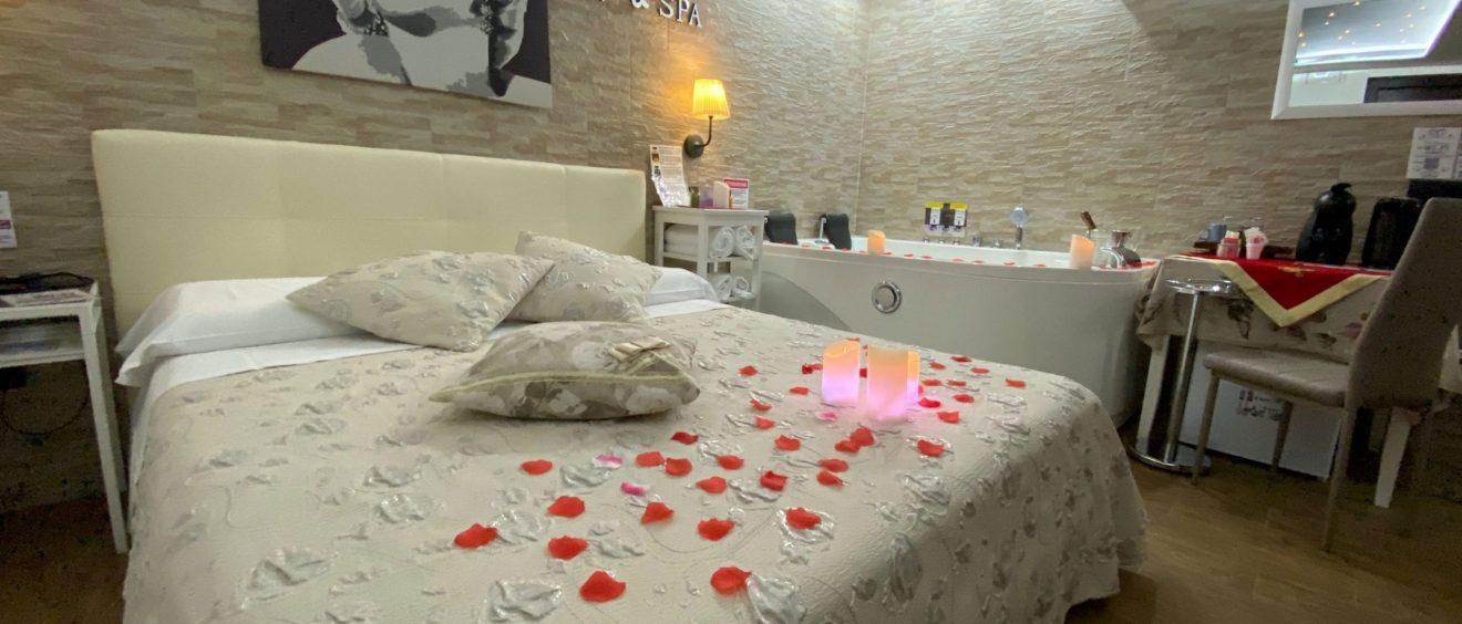 Suite Pompeya con spa de lujo hidromasaje y sauna