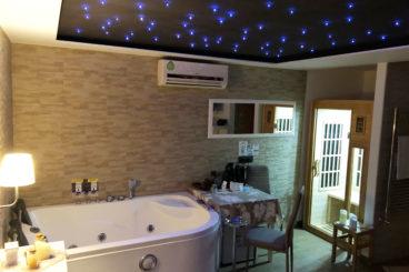 Suite SPA de Luxe avec bain à remous et Sauna