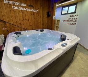 Spa mini piscine bain à remous Pompei